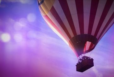 VIDEO: Pedida de mano en globo aerostático casi termina en tragedia