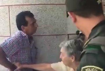 VIDEO: Funcionario colombiano deja a su propia madre en la calle