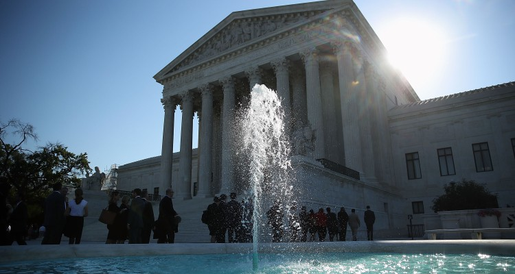 Corte Suprema bloquea controvertida ley de aborto de Louisiana