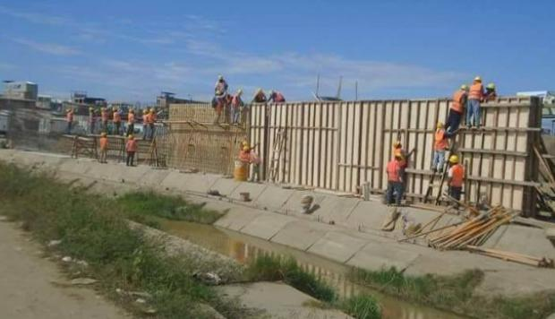 Miembros de organizaciones pro inmigrantes confían que las autoridades no apoyen la construcción del muro en Texas