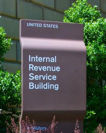 Arrestan a hombre tras enviar su dedo y una bomba falsa al IRS