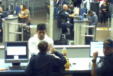 Revelan video del joven que bebió metanfetamina obligado por CBP