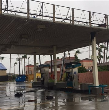 El devastador paso de Harvey altera el precio de la gasolina