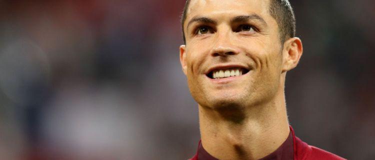 El futbolista Cristiano Ronaldo da positivo por coronavirus