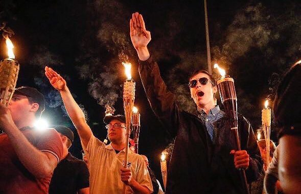 Empresas se pronuncian contra supremacía blanca tras Charlottesville