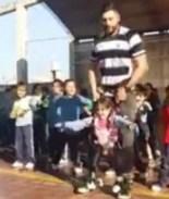 VIDEO: Alumna con discapacidad motriz baila con ayuda de su maestro