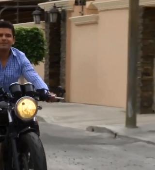 Motociclista autodidacta y explorador empedernido