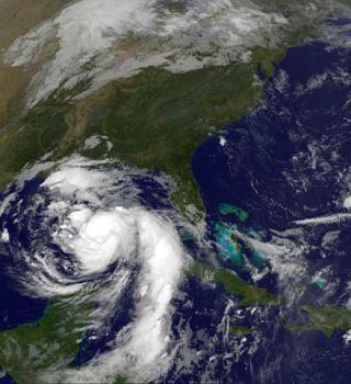 'Nate' podría impactar como huracán categoría 2 en Estados Unidos
