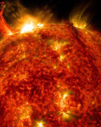 VIDEO: Erupciones solares podrían acabar con la tecnología en la tierra