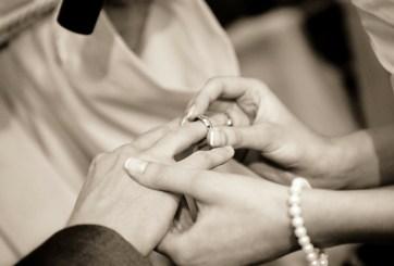 Joven se casará con acompañante a boda que encontró en Twitter