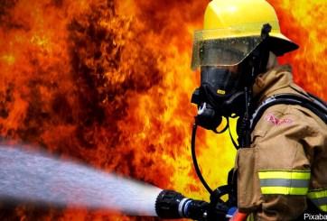 Incendio deja a 2 heridos y a 20 sin hogar al este de Las Vegas