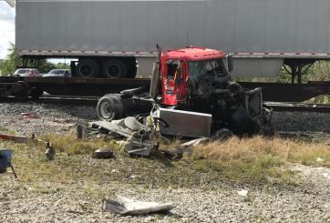 Muere conductor de un camión tras chocar con un tren en Brevard