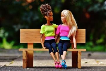 VIDEO: Nueva Barbie demuestra su apoyo a la diversidad sexual