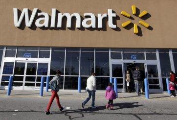 Mujer fue expulsada de Walmart por beber licor en empaque de Pringles