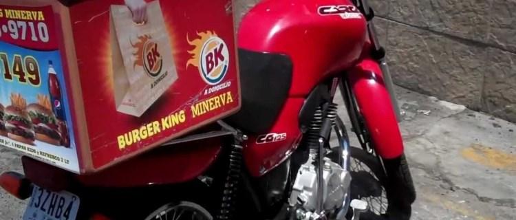 Sorprendentes y estrictos requisitos para ser repartidor en Burger King