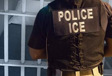 Agente de ICE acusado de acoso y compartir información del gobierno
