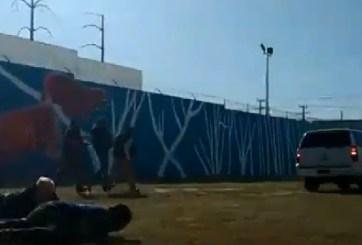 VIDEO: Pánico en evento de alcalde mexicano al desatarse balacera