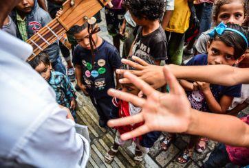 Pandillas venezolanas usan comida para reclutar a niños