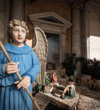 FOTO: Se roban al 'niño Dios' y lo venden por internet