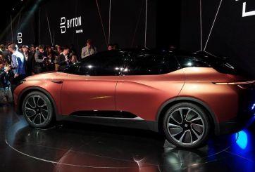 Compañía presenta vehículo eléctrico y la primera amenaza para Tesla