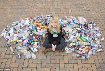 Adolescente acosada por juntar la basura ahora es una heroína local