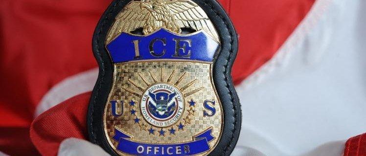Abogado de ICE en Seattle acusado de robar identidades de inmigrantes