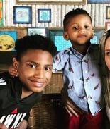 Maestra casi renuncia por niño rebelde hasta que lo adoptó