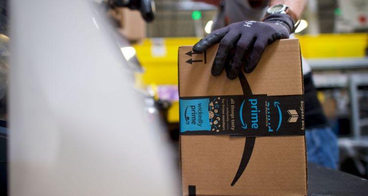Amazon ofrece 10 mil dólares a sus empleados para que salgan a la calle