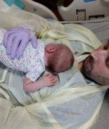 VIDEO: Despierta del coma y olvida que su esposa estaba embarazada
