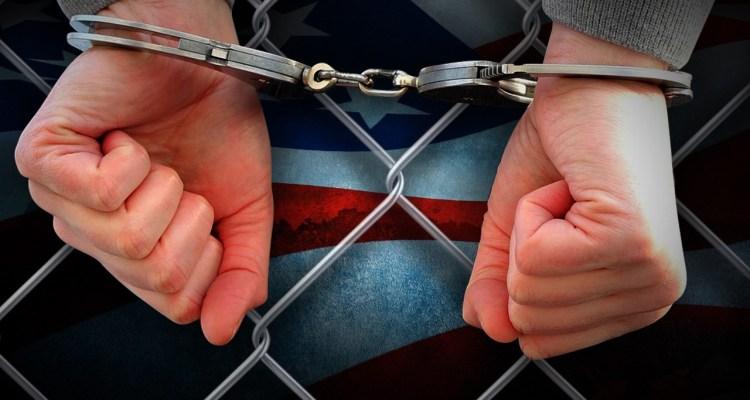Deportado luego de que exnovia lo reportara a autoridades de inmigración
