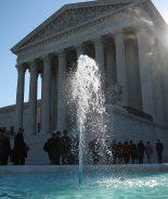 Corte Suprema decidirá si inmigrantes detenidos pueden pedir fianza