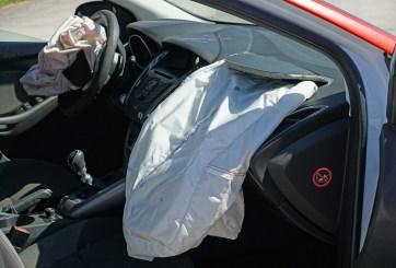 FOTO: Choca con pared en medio de examen de conducción