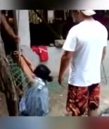 VIDEO: Hijos amarran a mamá por negarse a repartir la herencia en vida