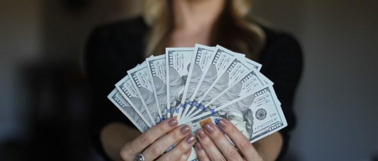 Compañeros de hospital ganaron 6 millones en la lotería al jugar juntos