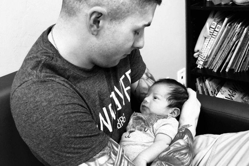 Steven Garcia y bebé