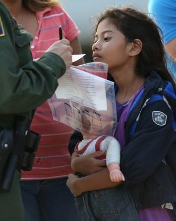No pueden encontrar a los padres de 545 niños migrantes separados