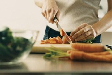 Mujer lucha contra el cáncer con dieta y Harvard estudiará su enfoque