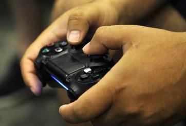 Bar de videojuegos recibe nota raciasta