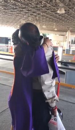 leslie de El Paso, Texas cruza a Juárez