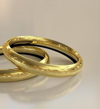 encuentran anillos entre las cenizas