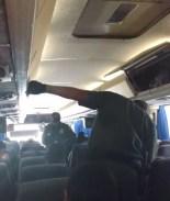 detienen autobus y piden papeles