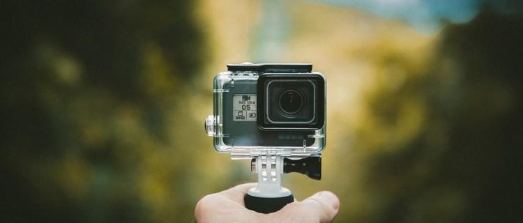 La cámara tiene más de 100 fotos.