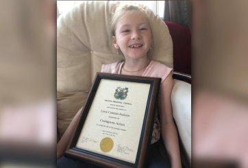 La parálisis cerebral no impidió que esta niña de 9 años salvara a su hermanito de ahogarse