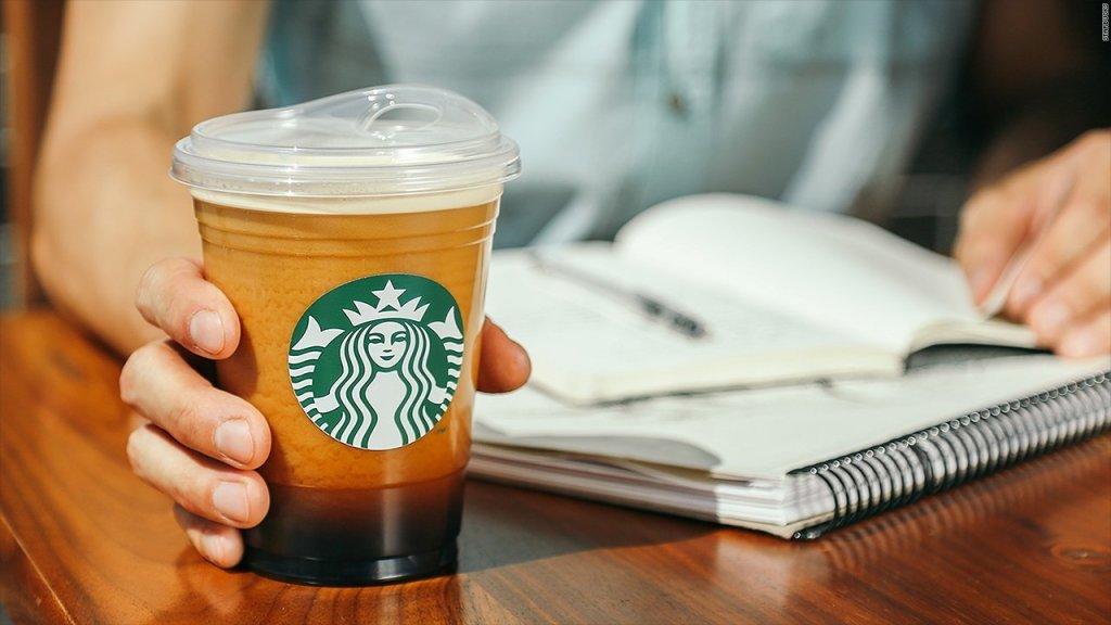 Starbucks elimina popotes