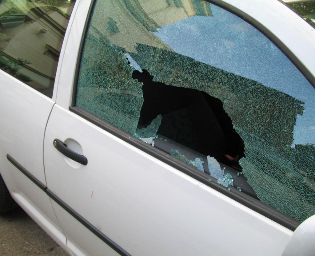 33 autos fueron afectados.