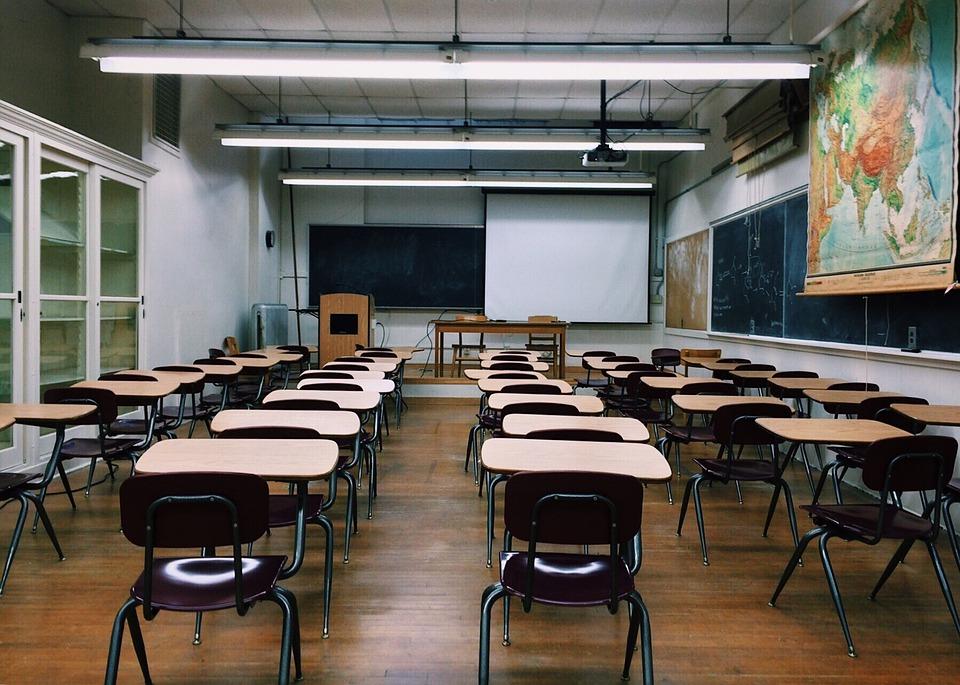 despido de maestra
