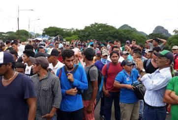 Aumenta la caravana de inmigrantes hondureños de mil a 4 mil