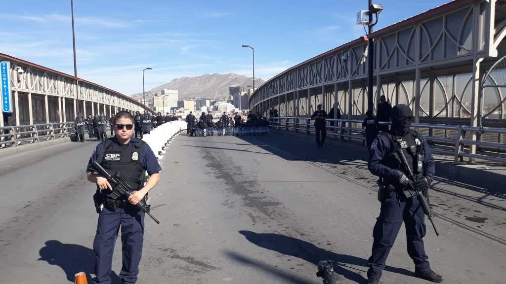 cierran los puentes que dividen El Paso y Juárez