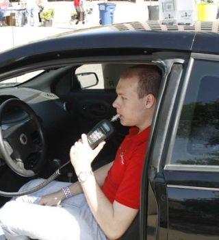 Detenidos por DUI deberán instalar un alcoholímetro en su vehículo
