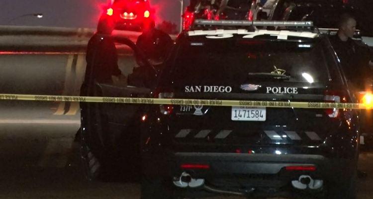Identifican hispano baleado a muerte detrás de centro comercial en San Diego